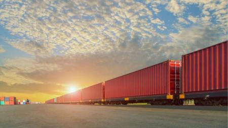Первый в истории: Укрзализныця отправила контейнерный поезд с экспортным грузом в Китай